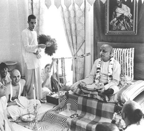 Srila-Prabhupada-and-devotees__small_